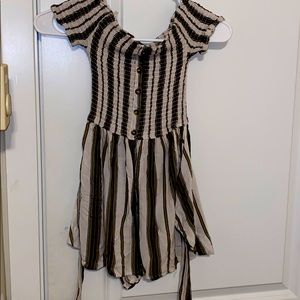 Other - Nwot stunning small ladies mini romper soft as sil